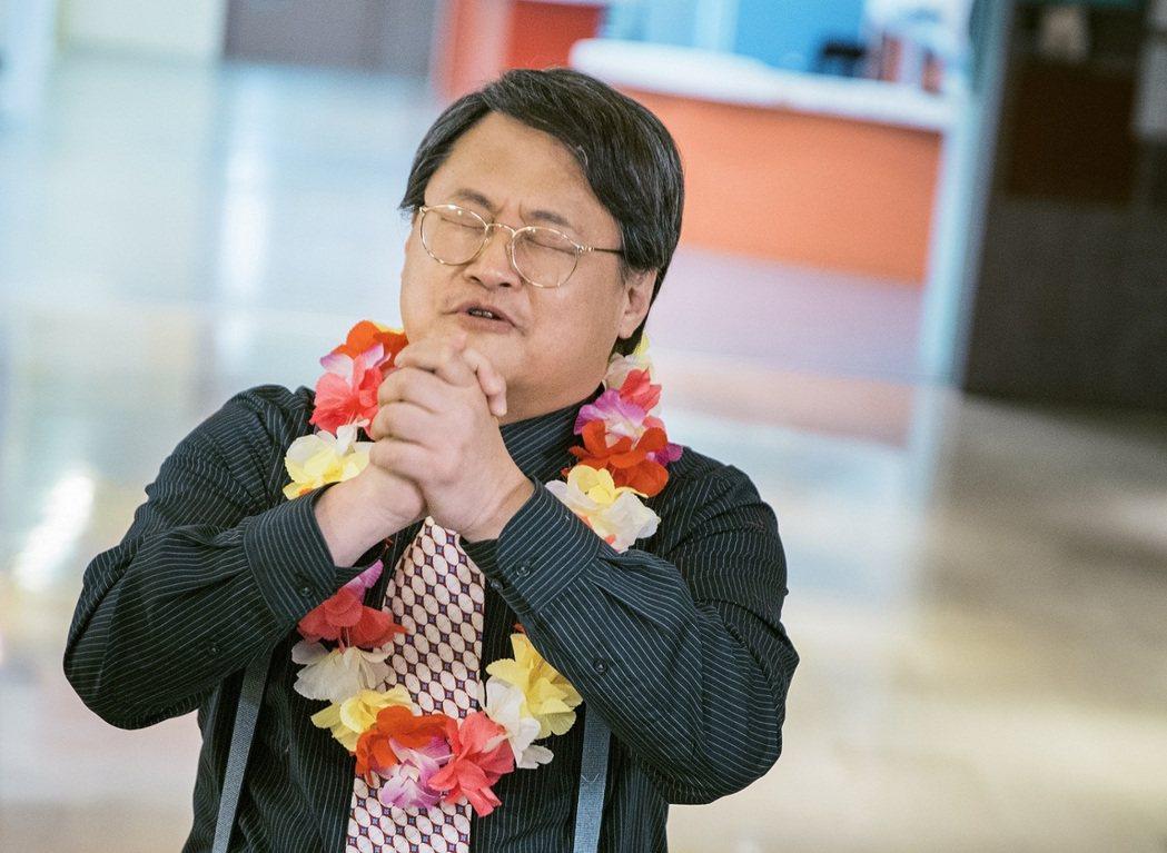 趙自強演出「獅子王強大」腳傷未癒卻還要被曹晏豪狂揍。圖/東森提供