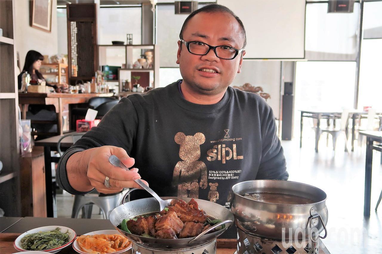 6年級的辜振富覺得台灣人就該吃台灣料理,辦桌菜絕對是代表。記者翁禎霞/攝影