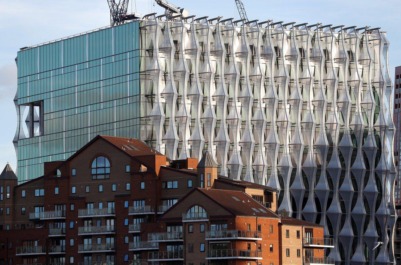 美國駐英國大使館新館,造價高達十二億美元。 (路透)
