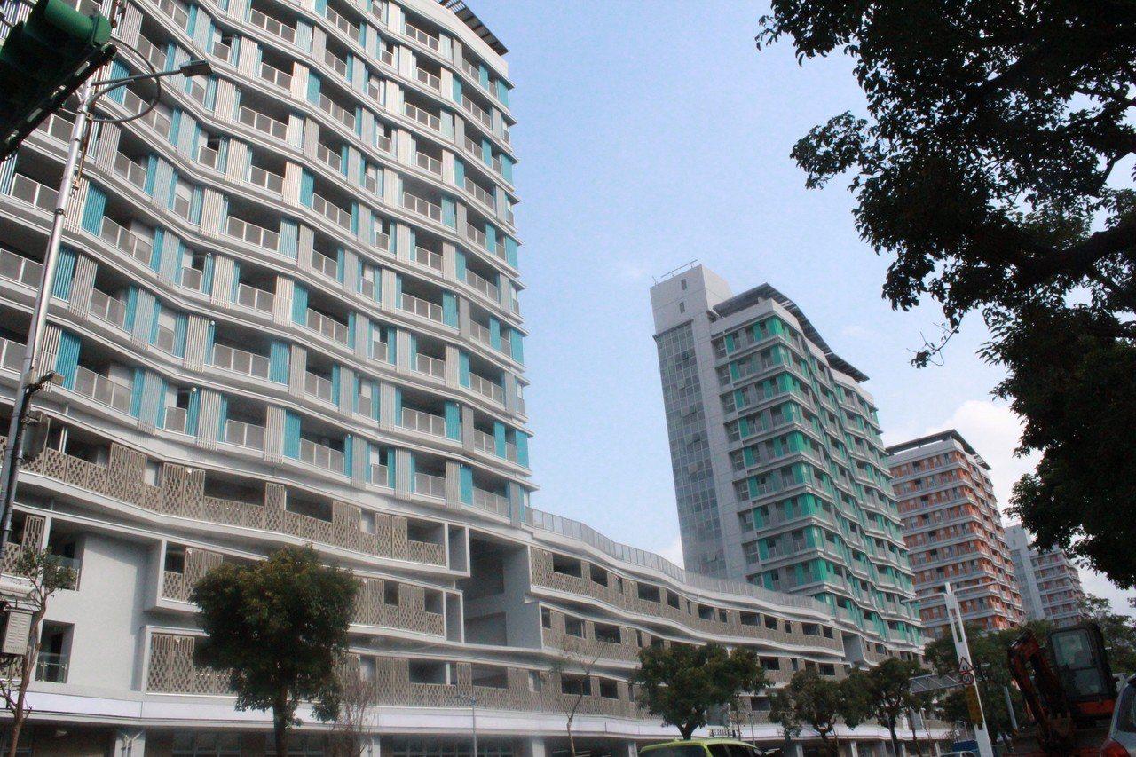 台北市政府12日宣布健康公宅開放申請,坪數從13坪到34坪,20日至22日開放現...