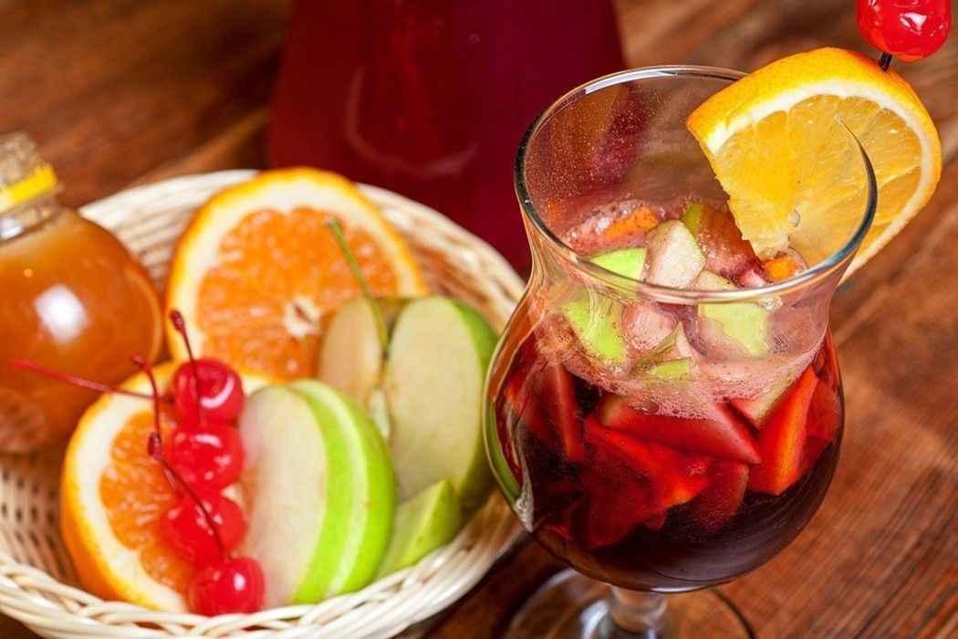 水果酒的酒精濃度雖然較低,但業者會添加果汁、果糖、焦糖色素、香料等來增添風味,換...