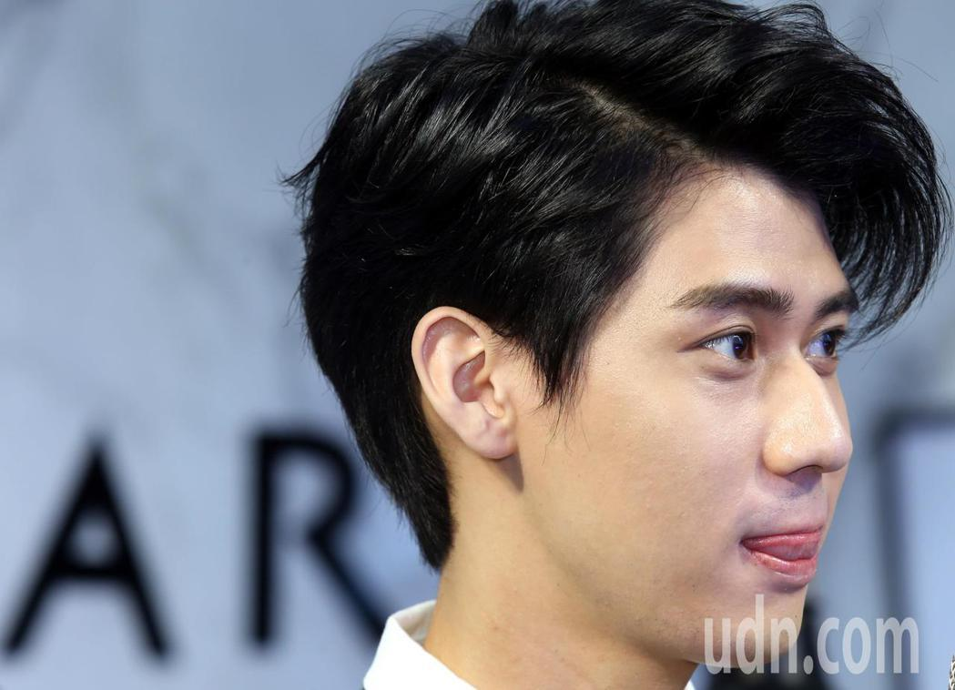 李玉璽回台出席代言活動,在美容保養面膜品牌擔任一日店長。記者林俊良/攝影