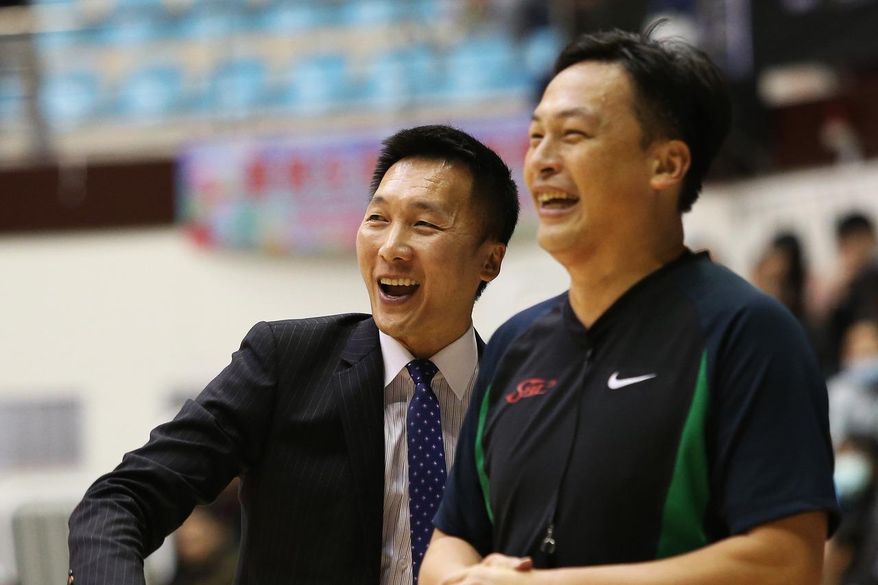 許晉哲(左)。圖/中華籃球協會提供