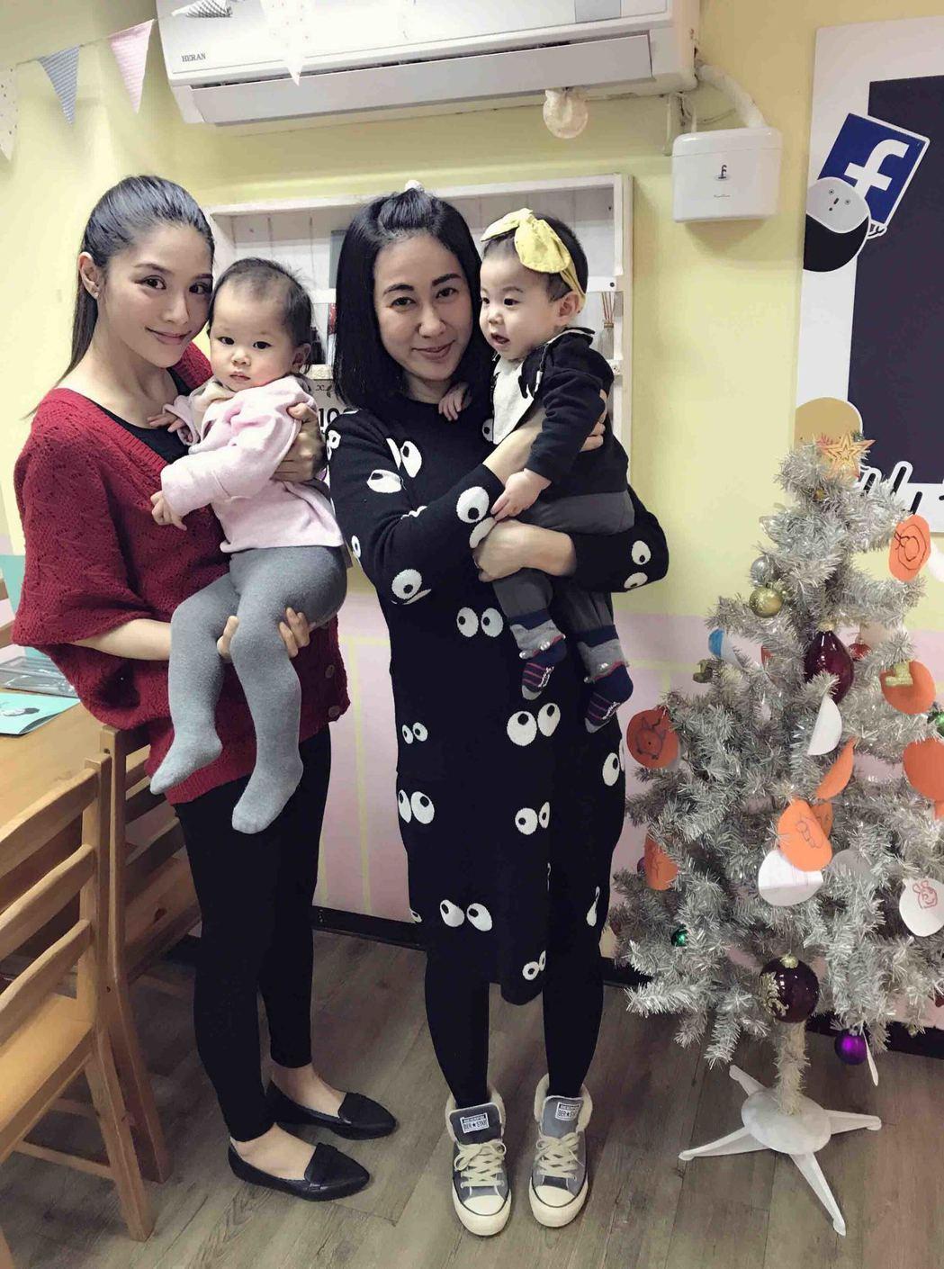 詹乃蓁(左)和林利霏大聊媽媽經  圖/伊林提供