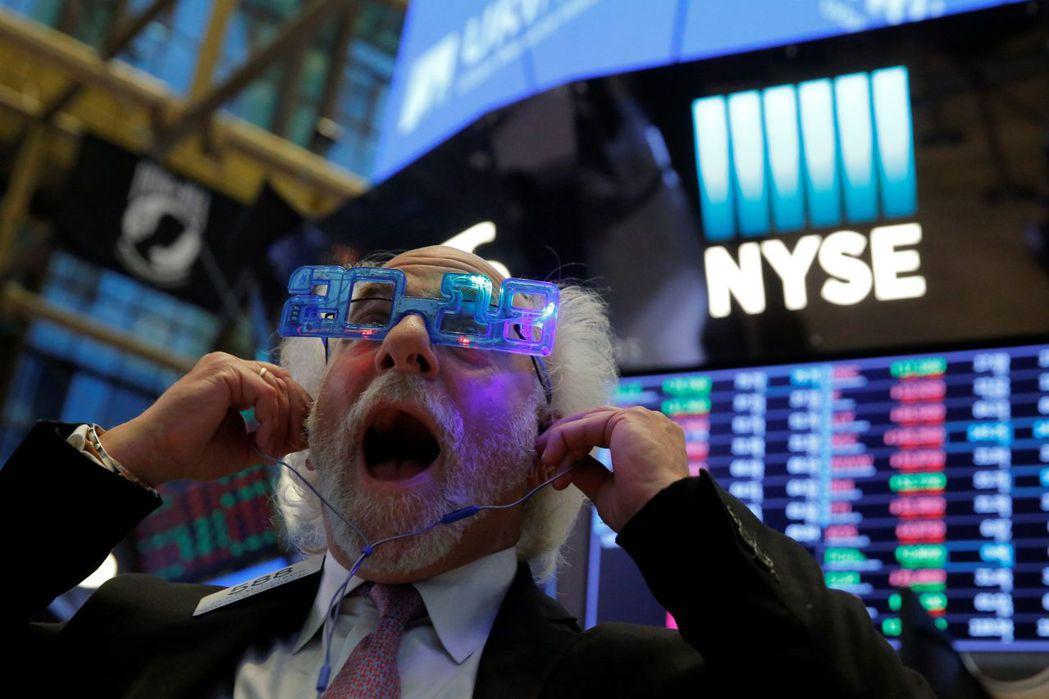 華爾街股市交易員。(圖/路透)