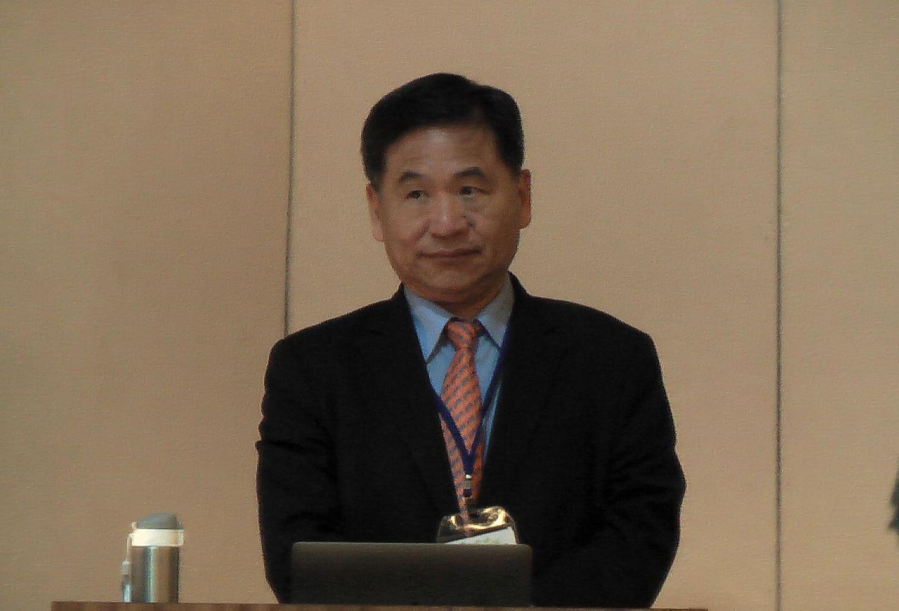 前中山醫學大學校長賴德仁參與高醫大校長遴選,報告治校理念。 記者徐如宜/攝影