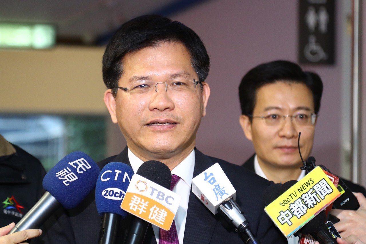 民進黨選對會委員表示,台中市長林佳龍是強棒,希望能多為中台灣縣市輔選,拉抬新人。...
