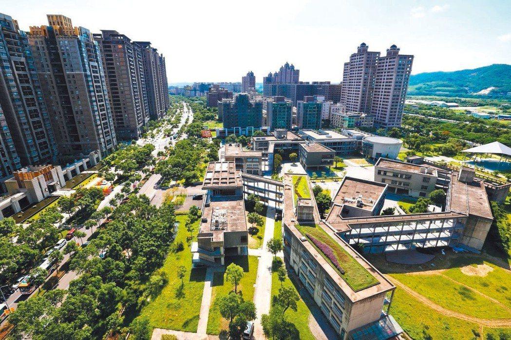 根據內政部統計,2017年六都建物買賣移轉為20.4萬棟,年增12%