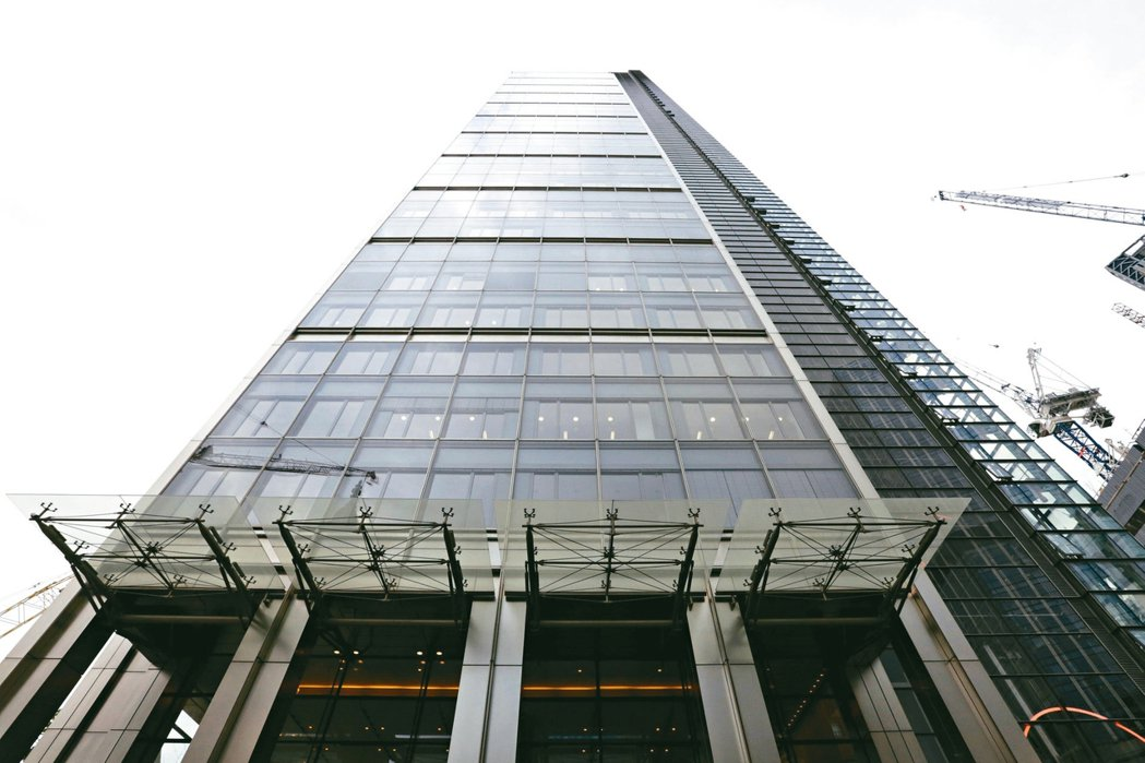 EuroFX公司曾邀請投資人參觀倫敦金融區Heron大樓的辦公室以取信於人。 路...