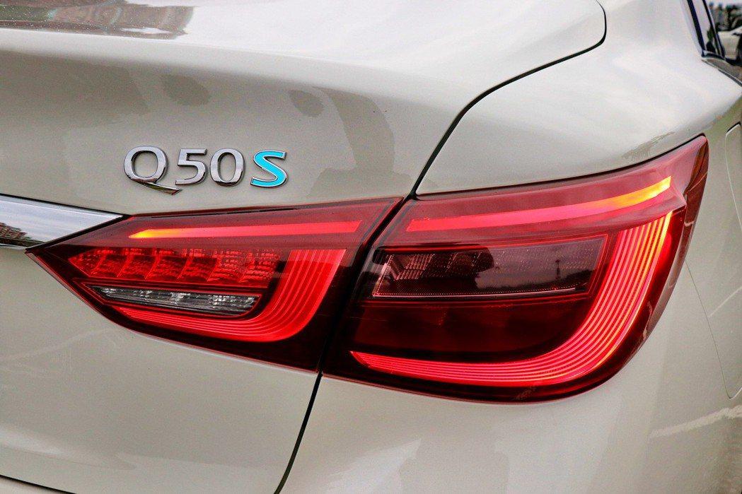 車尾除升級為全新設計的曳光式3D立體尾燈。 記者陳威任/攝影