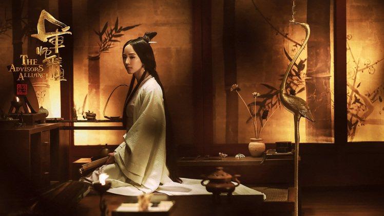 張鈞甯在「軍師聯盟」中飾演「柏靈筠」一角。圖/中視提供