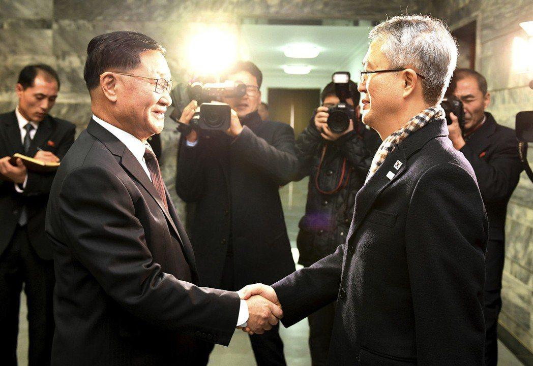 北韓:離散家屬團聚 先遣返脫北服務員