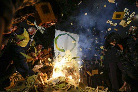 勞基法修法之後:寫給對台灣民主政治失望的人