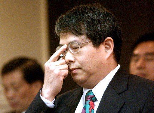 2002年,陳師孟在立法院法制委員會對「國旗、國家」的回答引起委員的「不滿」。 ...