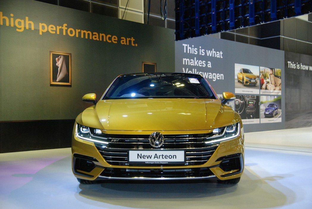 Arteon R-Line 車型搭載 2.0升 TSI 汽油渦輪引擎,最大馬力為 280 匹/35.7 公斤米。 記者林鼎智/攝影