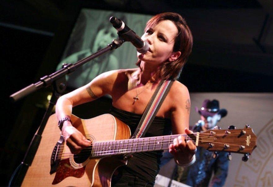 小紅莓樂團主唱桃樂絲歐萊登猝逝年僅46歲。圖/美聯社