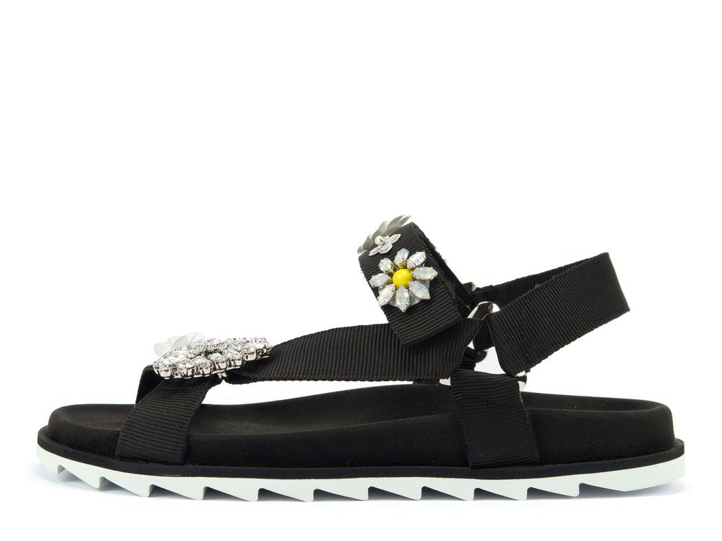 Roger Vivier Trekky Viv 花卉刺繡休閒涼鞋,42,600元...