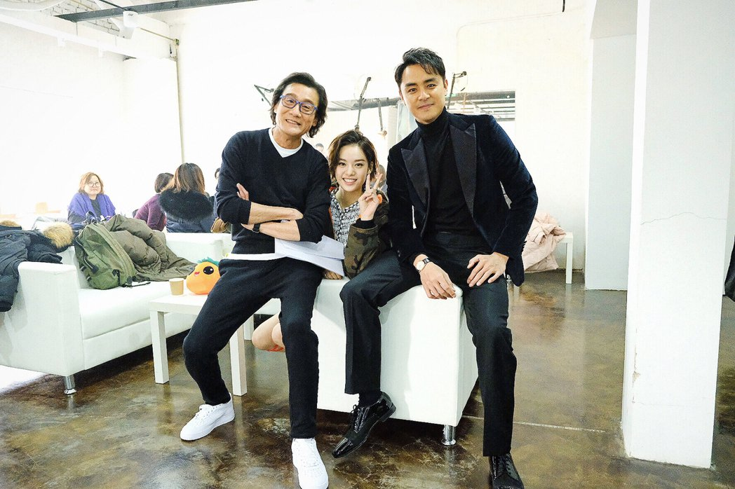 梁家輝(左起)、張藝上、明道合作「阿修羅」。圖/明道工作室提供