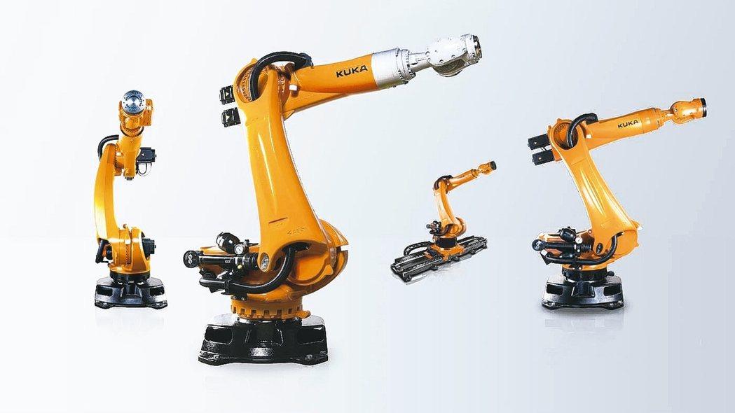 世寶公司引進德國庫卡(KUKA)機器人。 世寶公司/提供