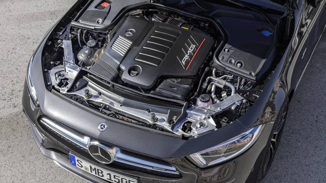 CLS53 引擎室。 摘自Mercedes-Benz