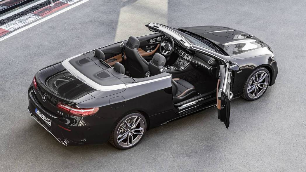 AMG E53 convertible。 摘自Mercedes-Benz
