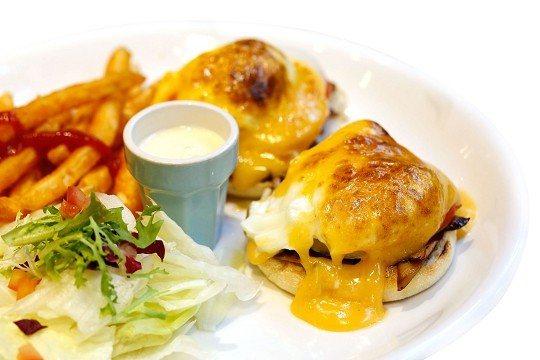 美味的班尼迪克蛋是早午餐店常見的餐點。(攝影/楊智仁)