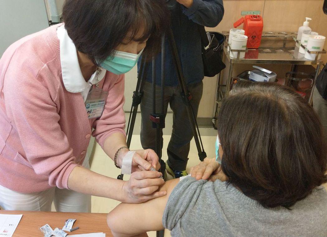 猜錯流感病毒株疫苗白打?莊人祥:台中14重症都沒打