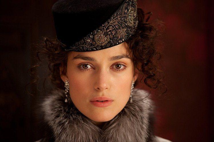 綺拉奈特莉認為古典女性角色比較有獨特的塑造。圖/摘自imdb