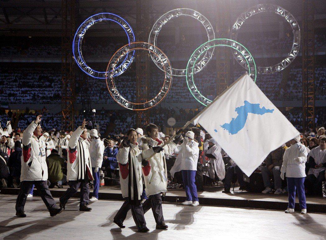 冬奧/兩韓共同舉旗進場 南韓民眾意見分歧