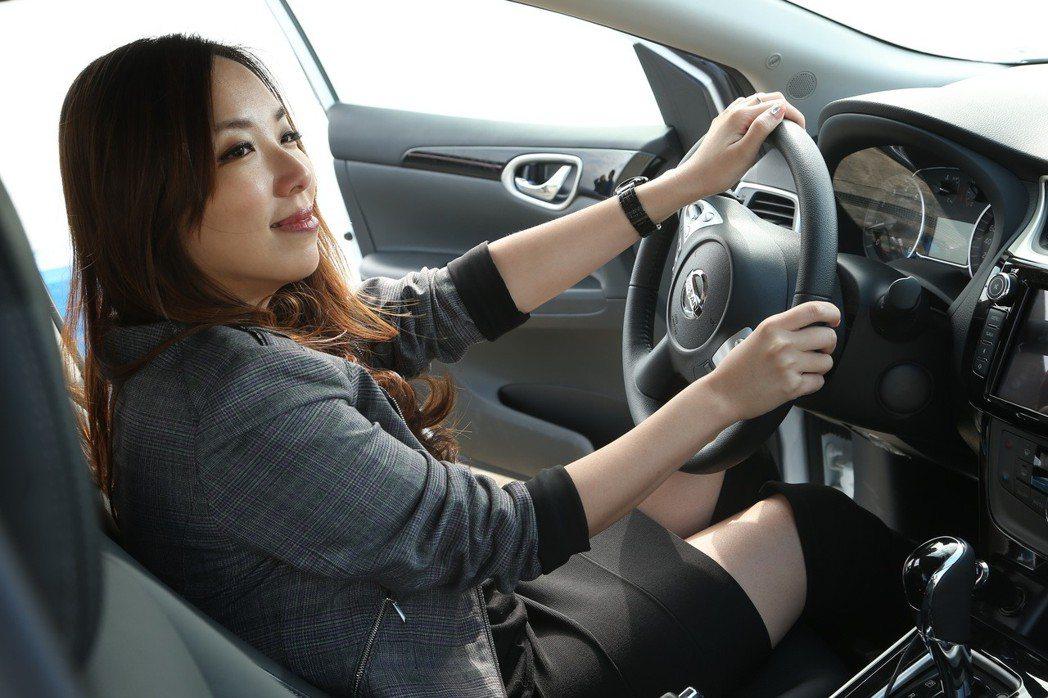 御姐愛認為女性選擇車款也格外重視安全感。 記者陳立凱/攝影