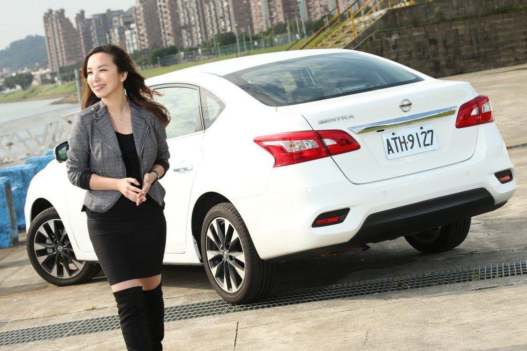 御姐愛希望自己的車子能擁有簡約俐落的造型。 記者陳立凱/攝影