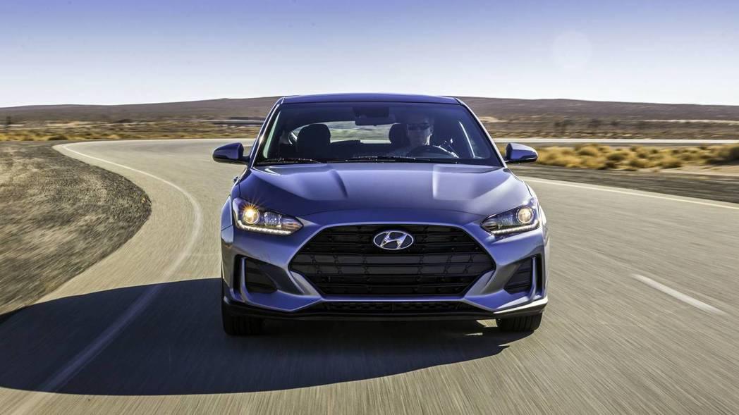 全新Hyundai Veloster車頭增添不少霸氣。 摘自Hyundai