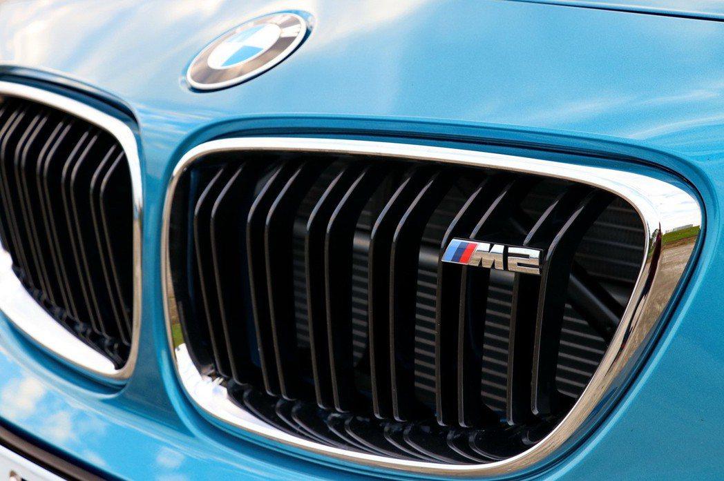 BMW M2。 記者陳威任/攝影