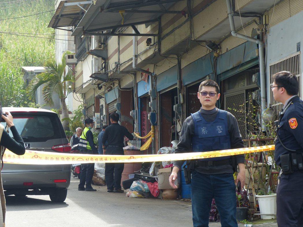 彰化市福山街今天上午發生夫殺妻命案,警方封鎖現場。記者劉明岩/攝影