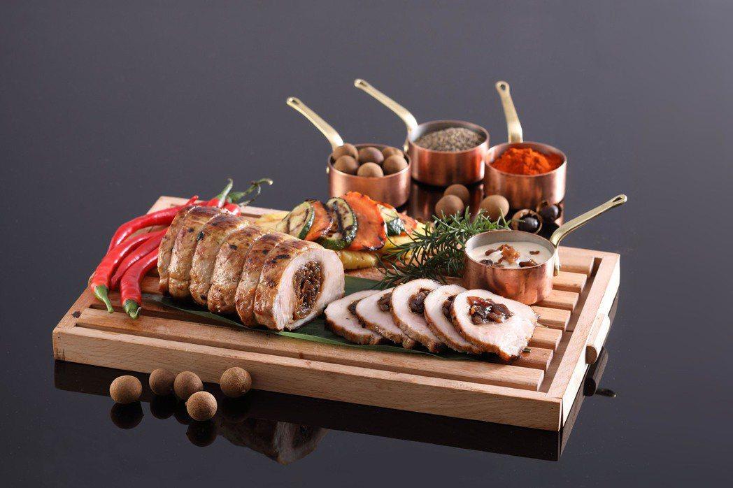 「炭烤優酪豬佐窯燒龍眼奶油醬」的豬肉使用的是彰化芳苑優酪豬。圖/Mega 50提...