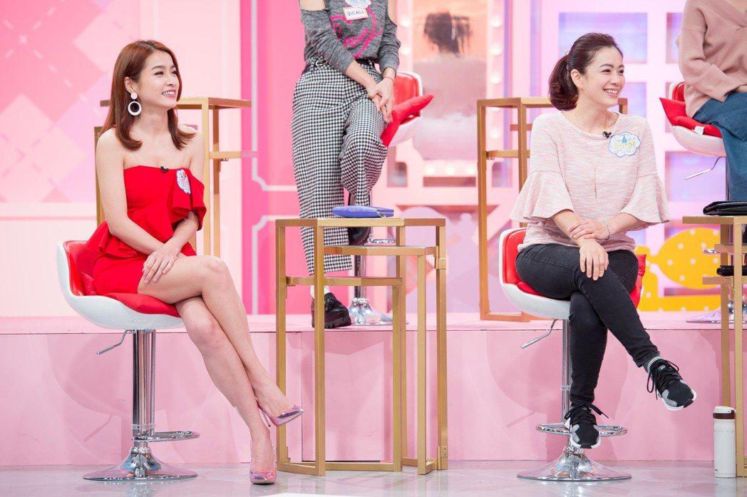 小嫻(左)、柯以柔難得同框出現。圖/TVBS提供