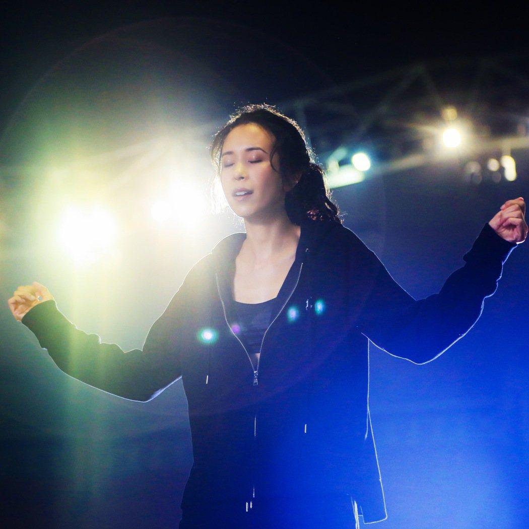 莫文蔚推出新單曲「如初之光」。圖/索尼提供