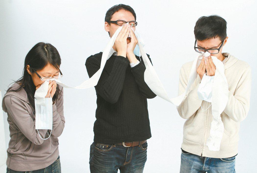 喉嚨發炎是病毒感染造成,溫鹽水漱口並不能殺死病毒。 圖/本報資料照片