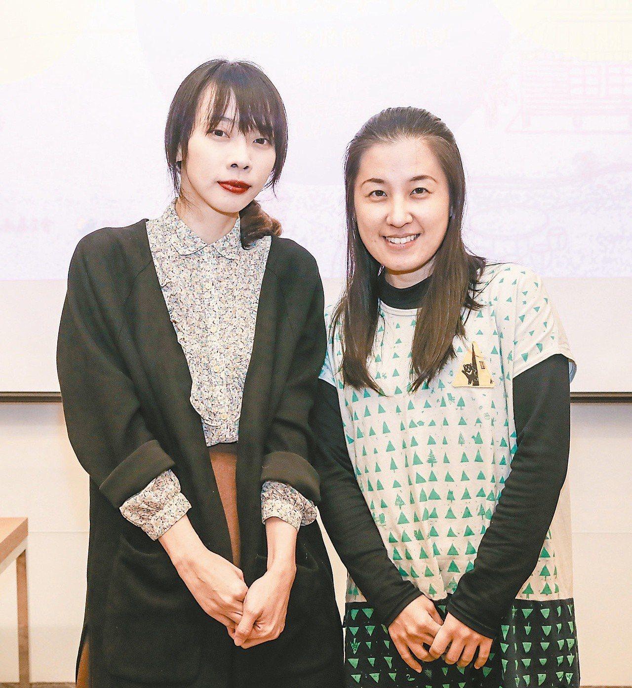 作家李欣倫(右)、言叔夏。(圖/本報記者鄭清元攝影)