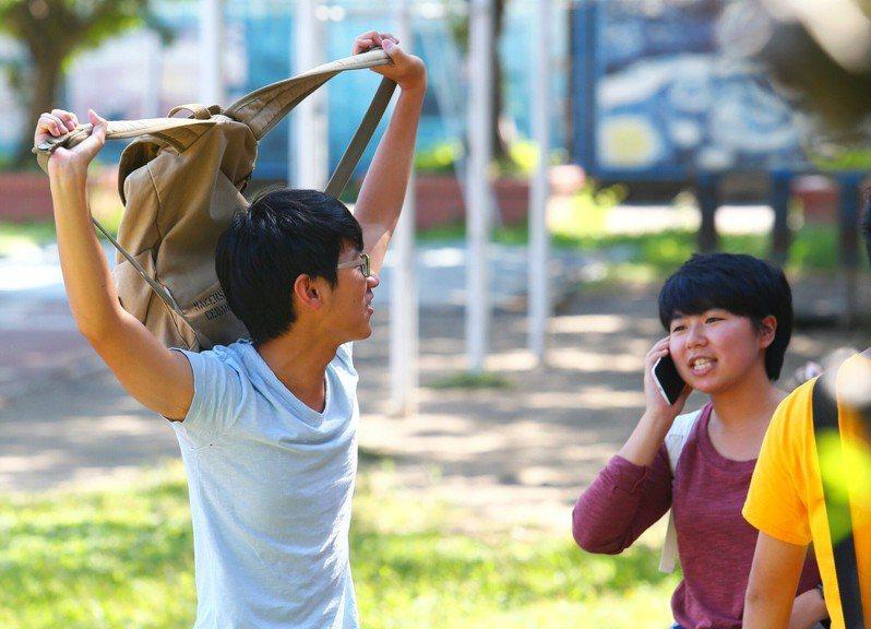高中英語聽力測驗考生。聯合報系資料照/記者王騰毅攝影