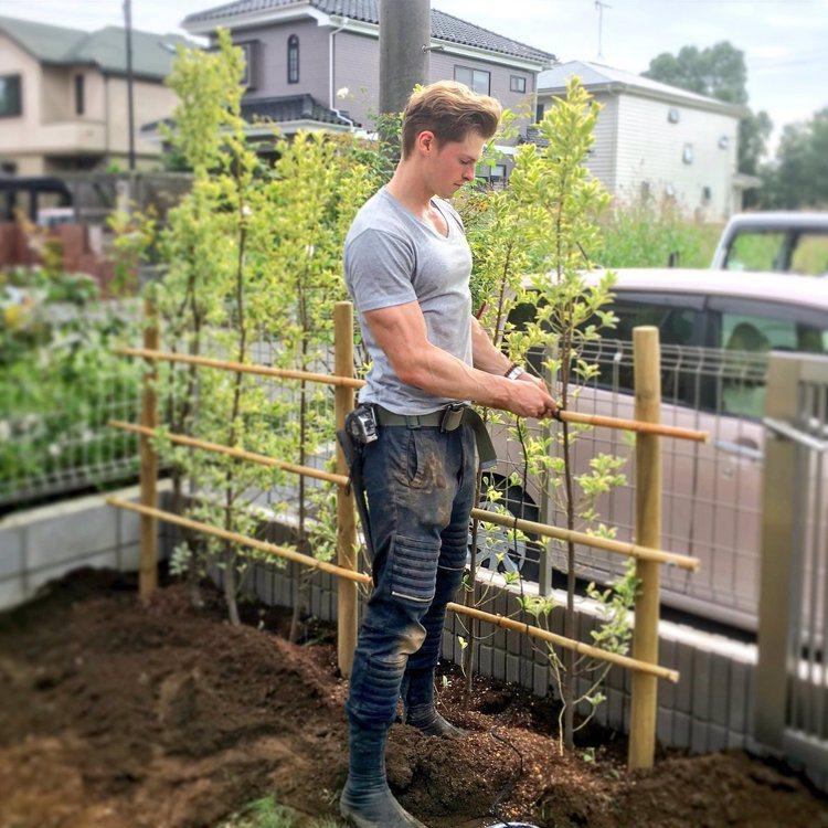 村雨辰剛以打造出獨特的庭園造景為目標,也希望能將日本庭園藝術推廣到全球。 圖/擷...