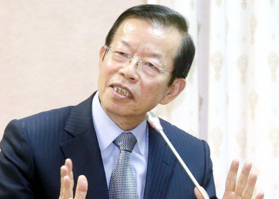 繼蘇貞昌後,謝長廷也隨後宣布退選黨主席。 圖/聯合報系資料照片