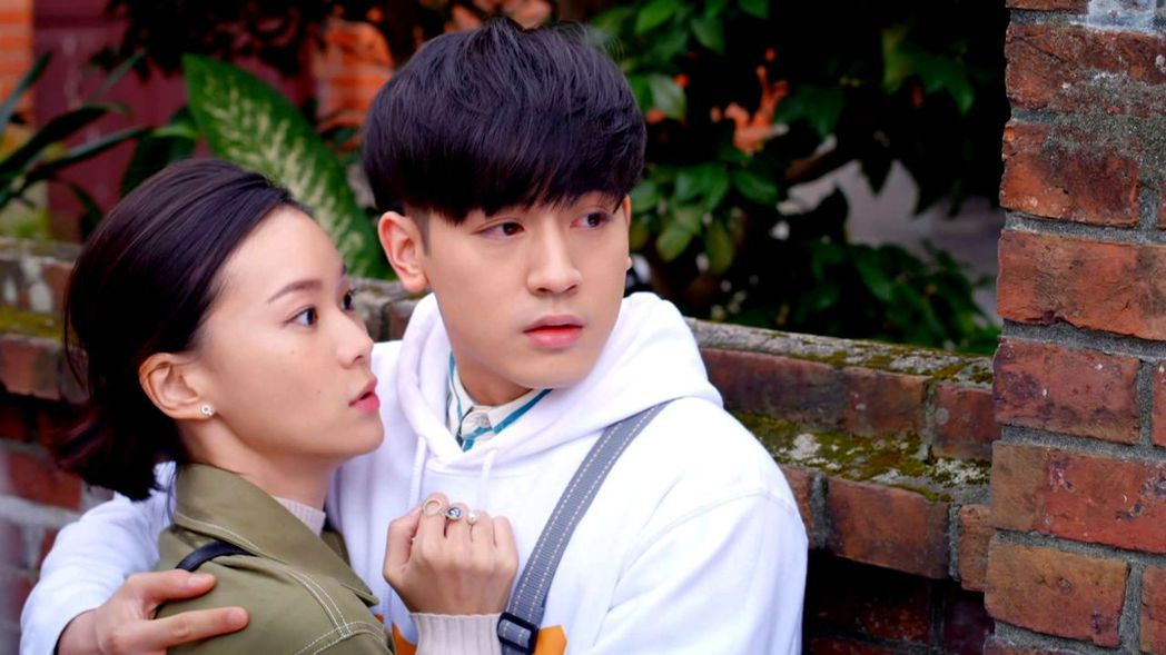 小樂(右)與鍾瑶。圖/三立提供