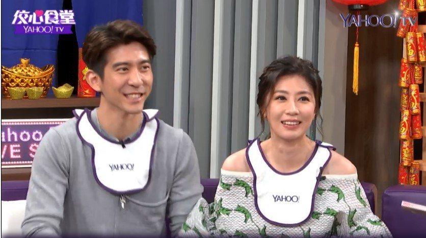 賈靜雯、修杰楷夫妻上「佼心食堂」大聊夫妻趣事。圖/Yahoo TV提供