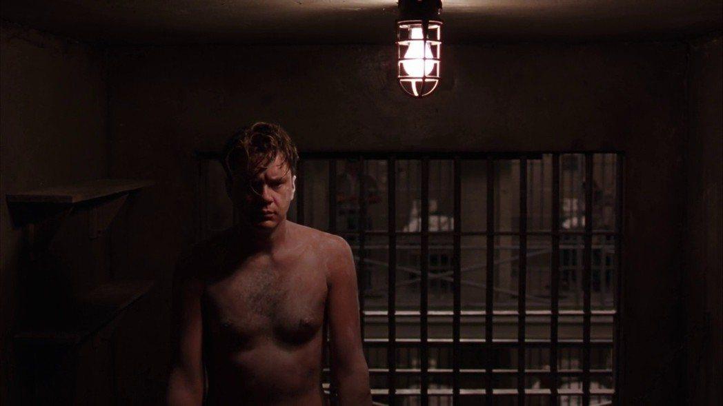 提姆羅賓斯在「刺激一九九五」演出賣力卻未獲獎項青睞。圖/摘自imdb