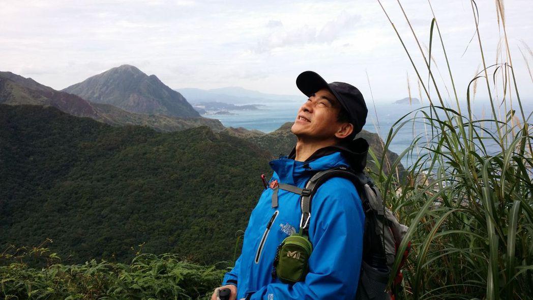 翁家明熱愛登山,直呼是工作最好的舒壓方式。圖/民視提供