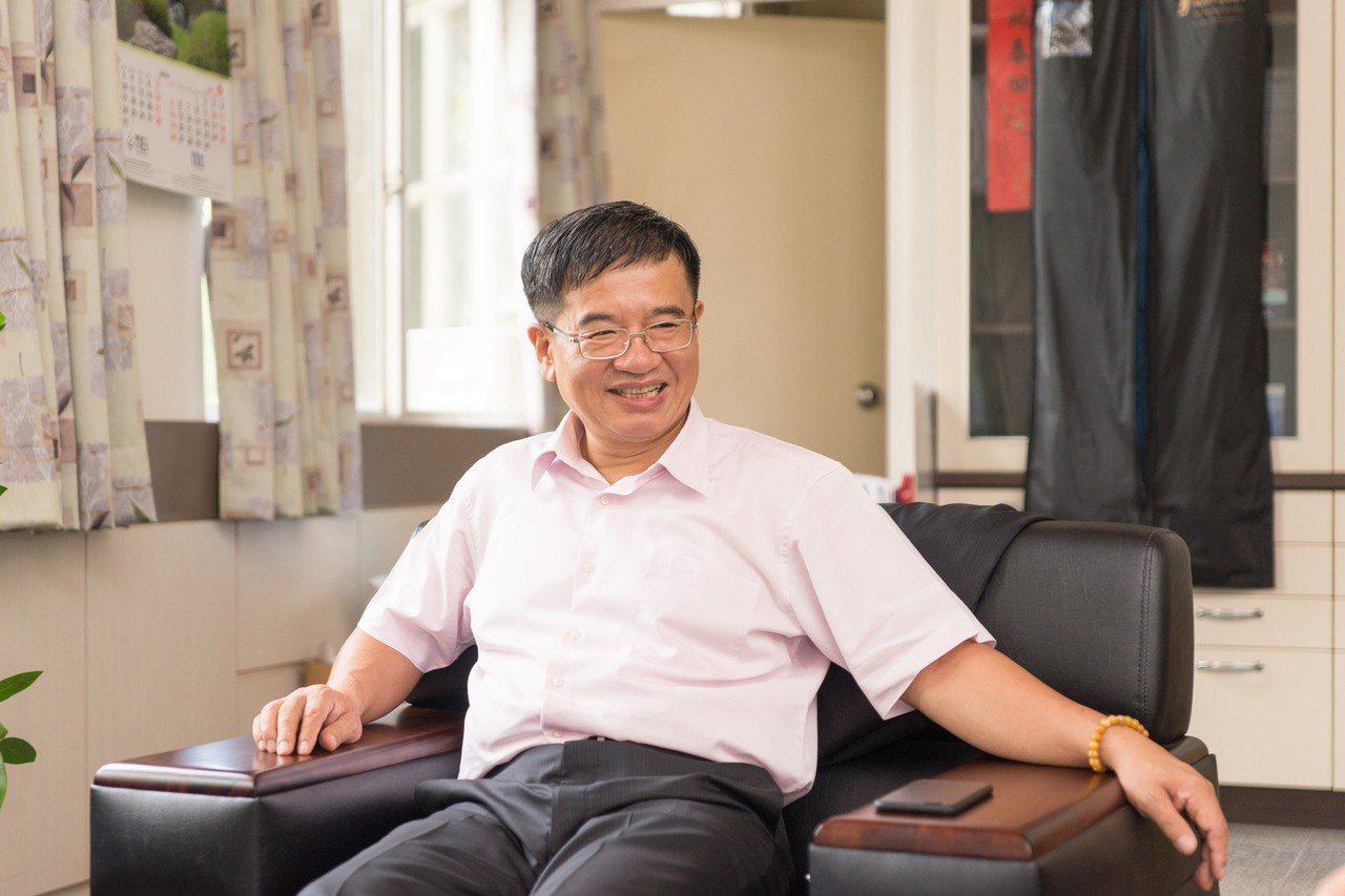 教育部20日發布新聞稿指出,3校合併後的國立高雄科技大學首任校長,將由現任高雄應...