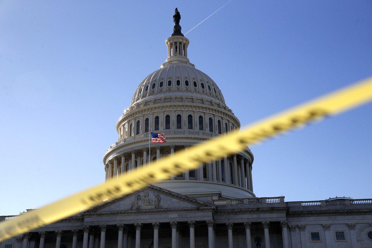美國參院預料無法在19日午夜時限前達成協議,聯邦政府周末起將被迫部分停擺。圖為美...