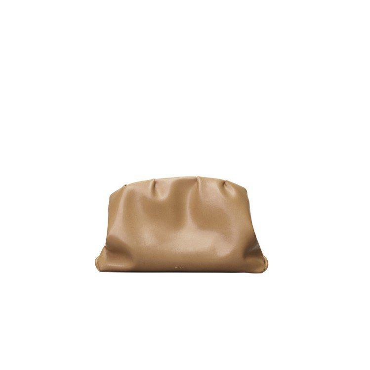 PURSE淺駝色小牛皮手拿包,售價97,000元。圖/CÉLINE提供