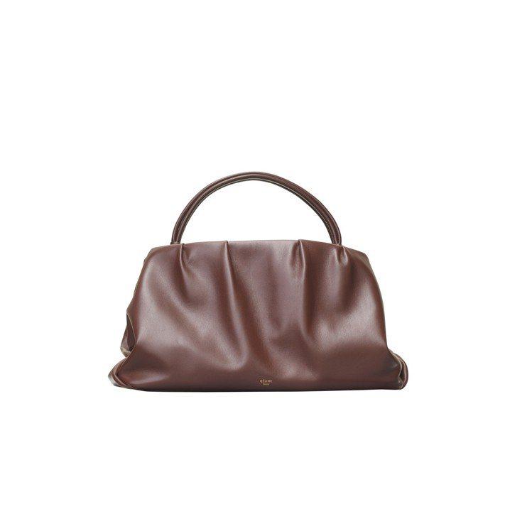 PURSE MEDIUM梅紅色小牛皮手拿包,售價12萬5,000元。圖/CÉLI...